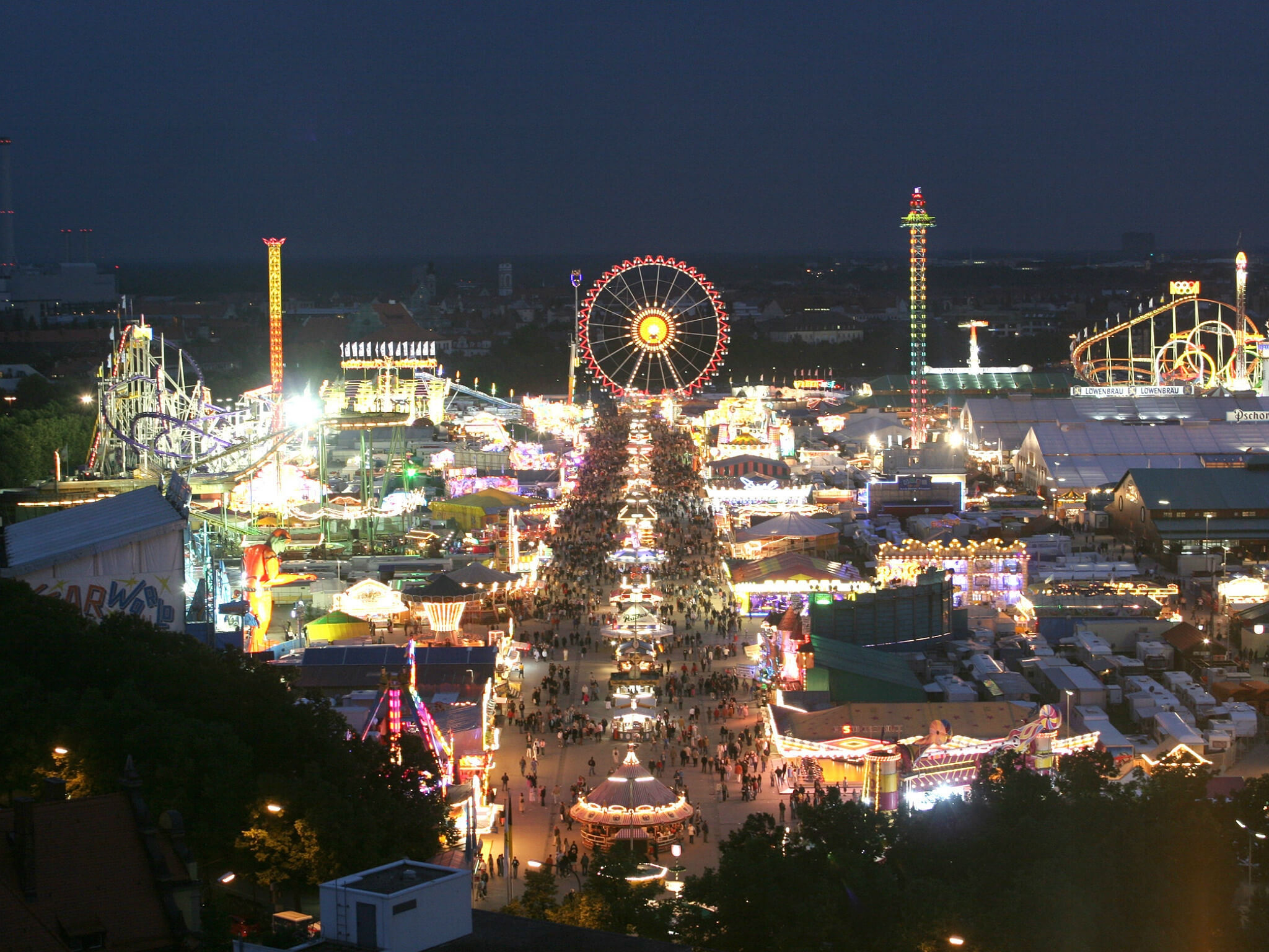 Marvel at the Oktoberfest by night - Sheraton Munich Westpark hotel