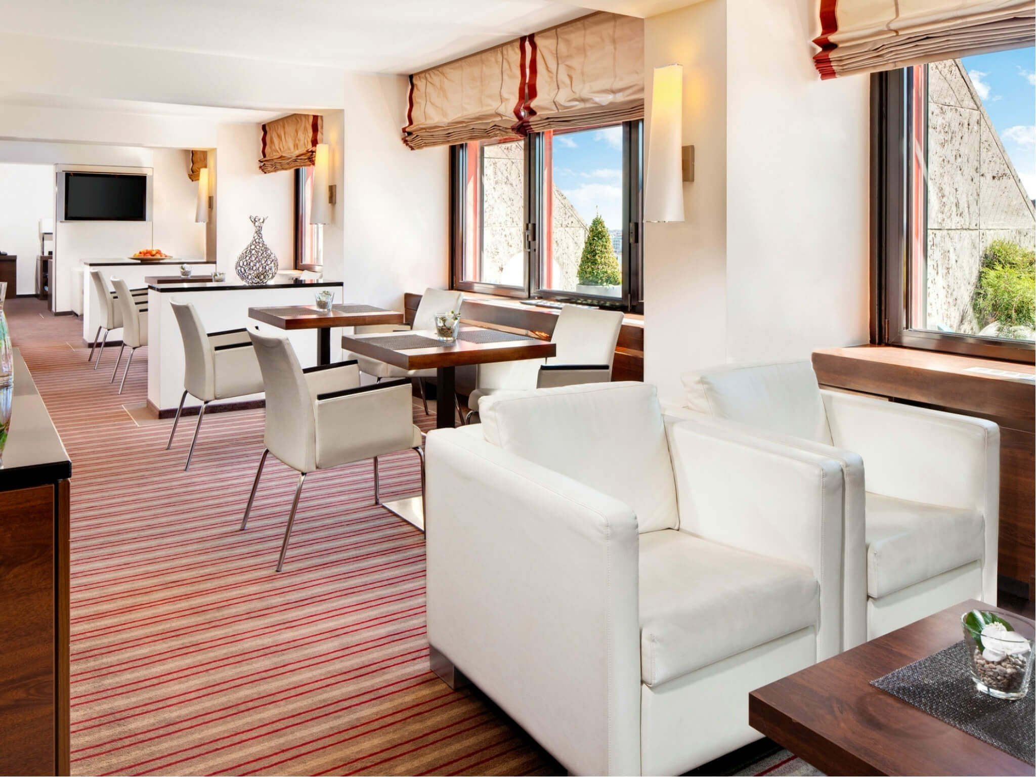 Sheraton Club Lounge at your hotel in Munich-Westpark